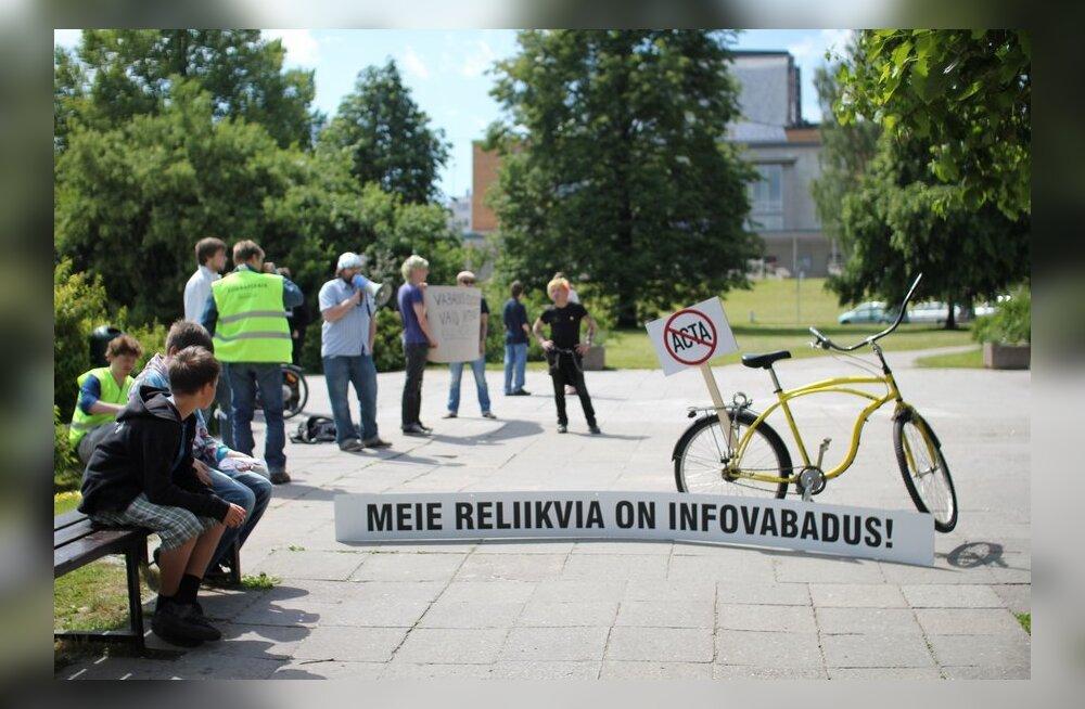FOTOD: Oht on möödas? ACTA-vastasel meeleavaldustel oli vaid käputäis inimesi
