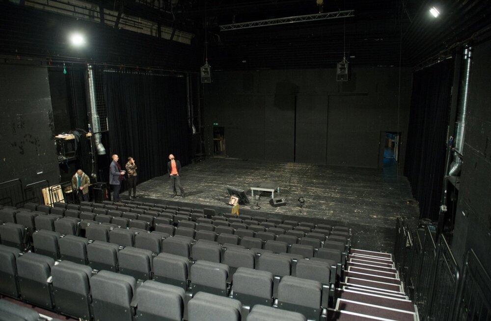 Paradoks on, et n-ö surnud teater mängib edasi. Saalid viimastele etendustele on taas välja müüdud ja ees ootab külalisetendus Moskvas.