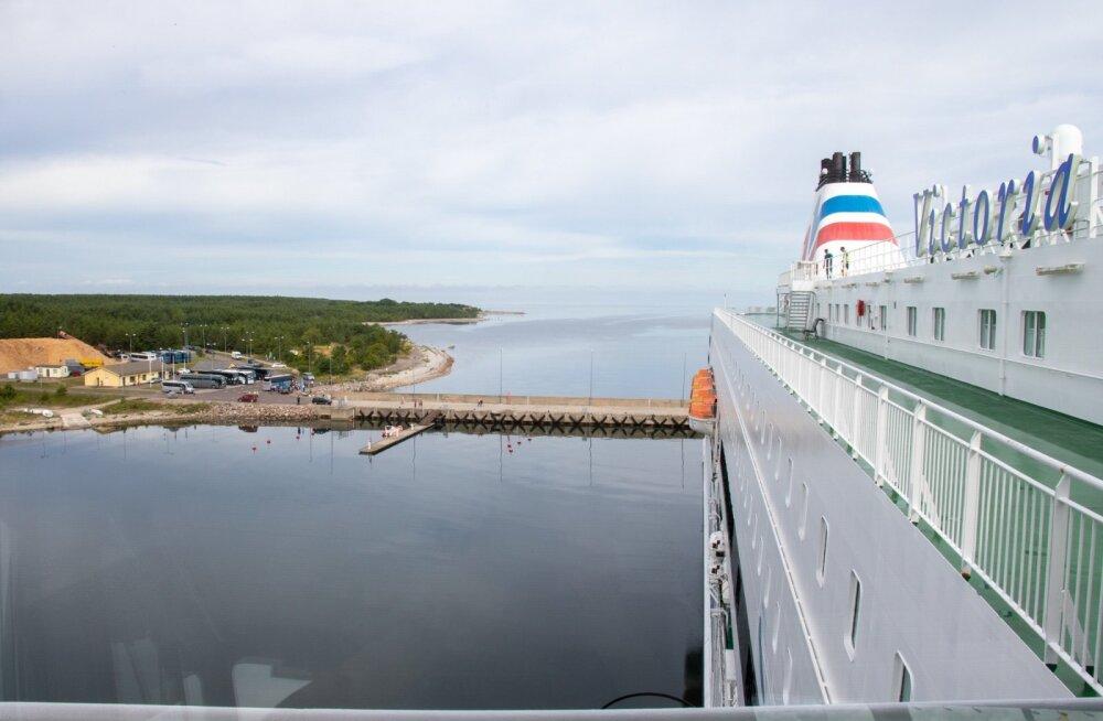 Victoria I Saaremaa sadamas , Helsingi-Saaremaa sadam