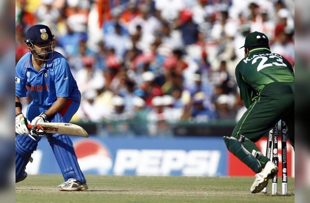 Indias ja Pakistanis jäi elu seisma: miljard inimest vaatab kriketi MM-i poolfinaali