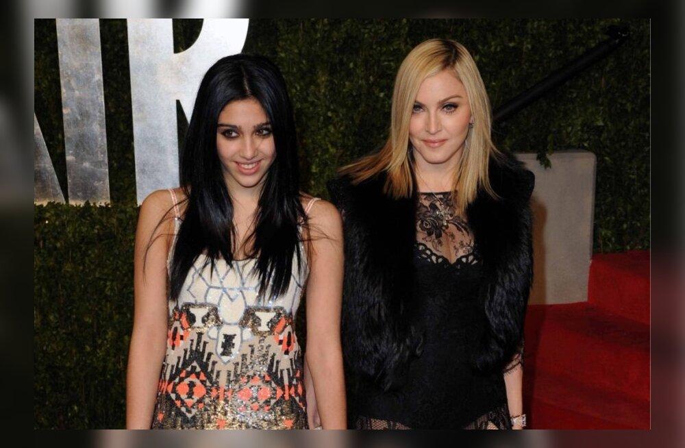 Madonna ja tütar Lourdes