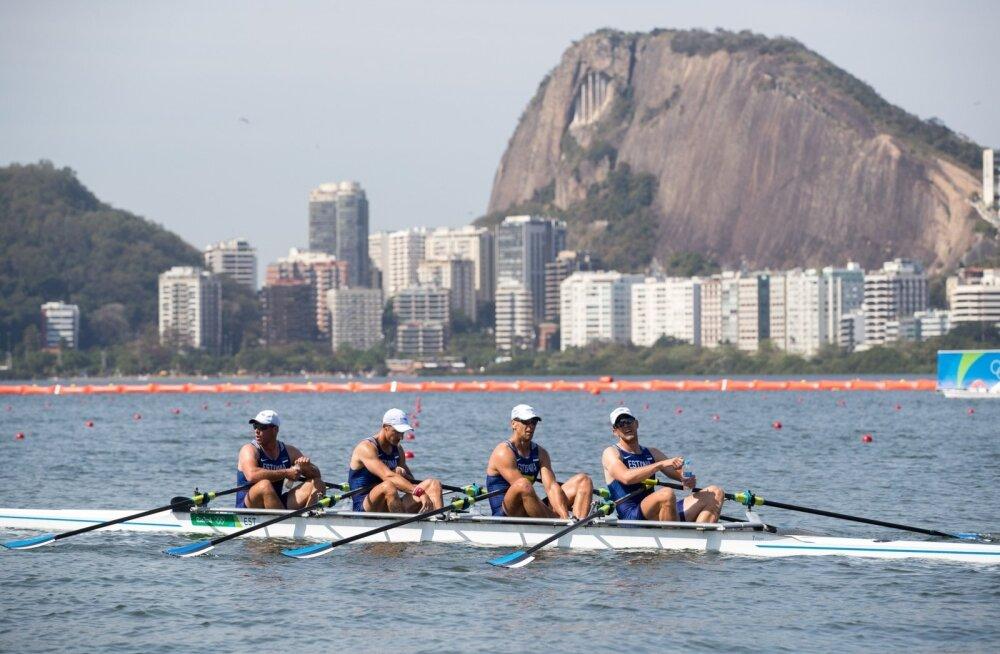 Rio on Eesti sõudeneliku kannatuse proovile pannud: kord nöögib ilm, kord logisev transport. Kaspar Taimsoo, Tõnu Endrekson, Allar Raja ja Andrei Jämsä sõudekanalil
