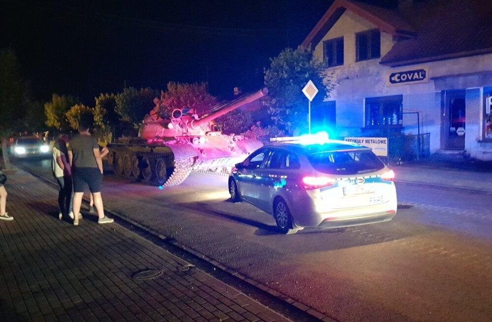 Poola linnas tankiga lõbusõitu teinud meest ähvardab 8-aastane vanglakaristus
