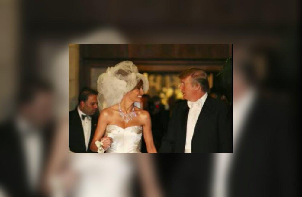 ÜLEVAADE | Melania ja Donald Trumpi uhke ja upakile ajav pulmapidu: kaks kleiti, kuulsad külalised ja söödamatu tort