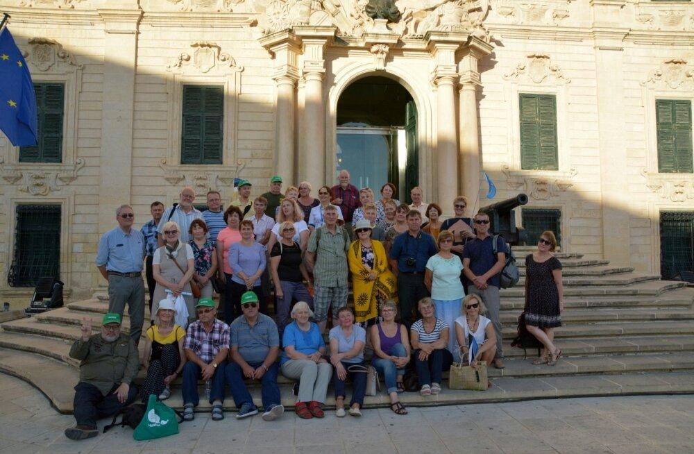 Maltal on kaasas Maalehe ajakirjanikud Argo Ideon ja Madis Must, kes peavad jooksvalt reisiblogi. Meeleolukad tähelepanekud, fotod ja videod leiab Maalehe kodulehelt.
