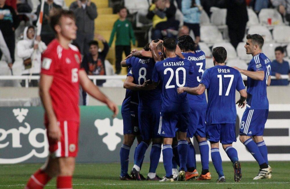 Küprose koondise mängijad tähistavad väravat