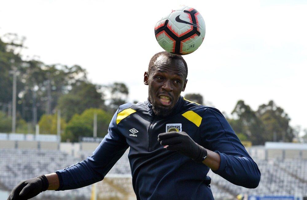 Usain Bolt teeb reedel jalgpallidebüüdi