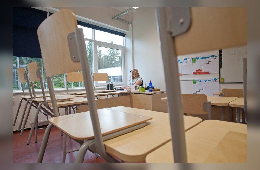 2ec762b5efa Õppejõud: palju vastamata küsimusi õpetajatele - mis teie koolides toimub?