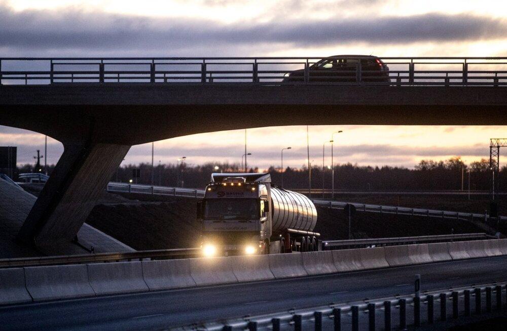 Transpordisektori karm ühisavaldus: aastaga on riik kaotanud 50 miljonit eurot maksuraha. Olukord läheb hullemaks
