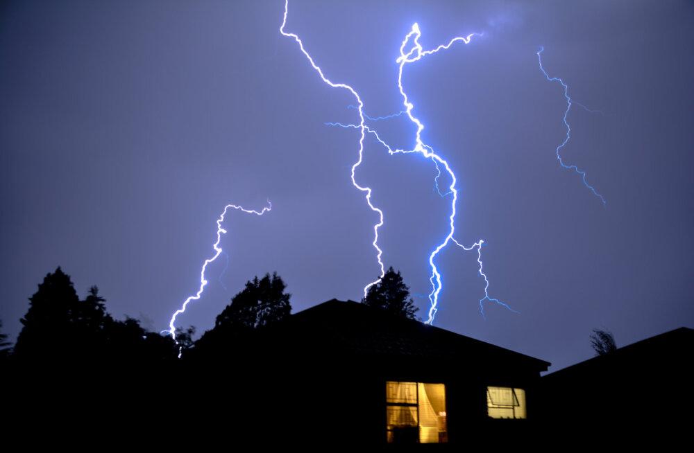 Säästa maja välgutabamusest! Piksekaitse päästab kodu suuremast kahjust