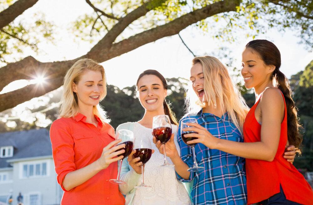 Alkohol ja mensturatsioonitsükkel: kuidas need omavahel seotud on?