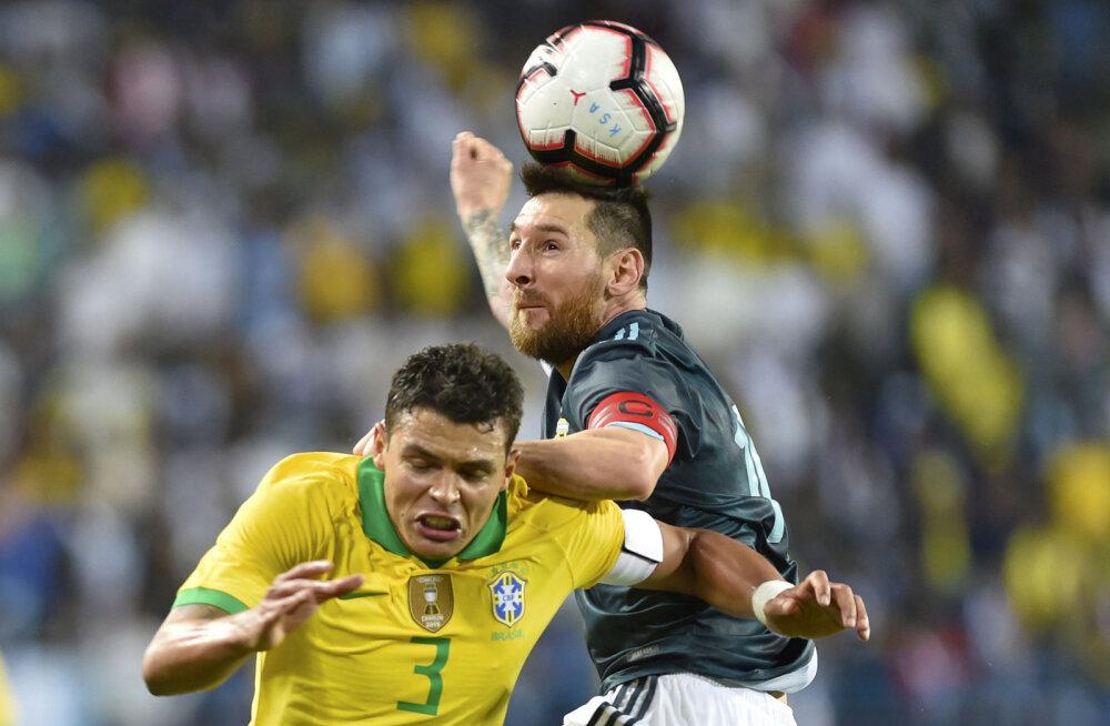 Brasiillaste kapten süüdistas Messit: ta püüab pidevalt kohtunikke mõjutada, Meistrite Liigas õnnestub see tal vähem