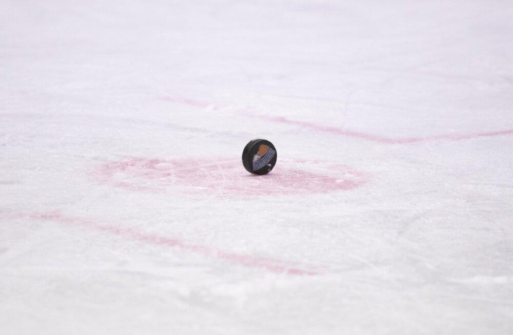 Soome hoki meistriliiga mäng Lahti Pelicansi ja Lappeenranta Saipa vahel