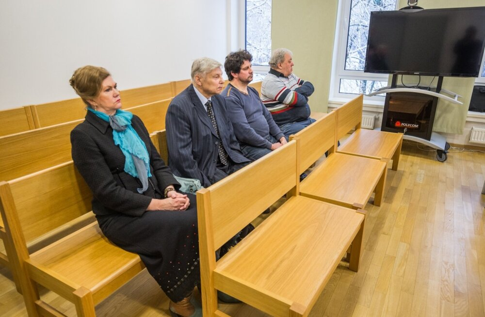 Jõgeva kohtumajas algas kriminaalasja arutamine, kus süüdistused olid esitatud neljale: Aita Saksing, Priit Saksing, Andrus Sibul ja Harri Uusallik