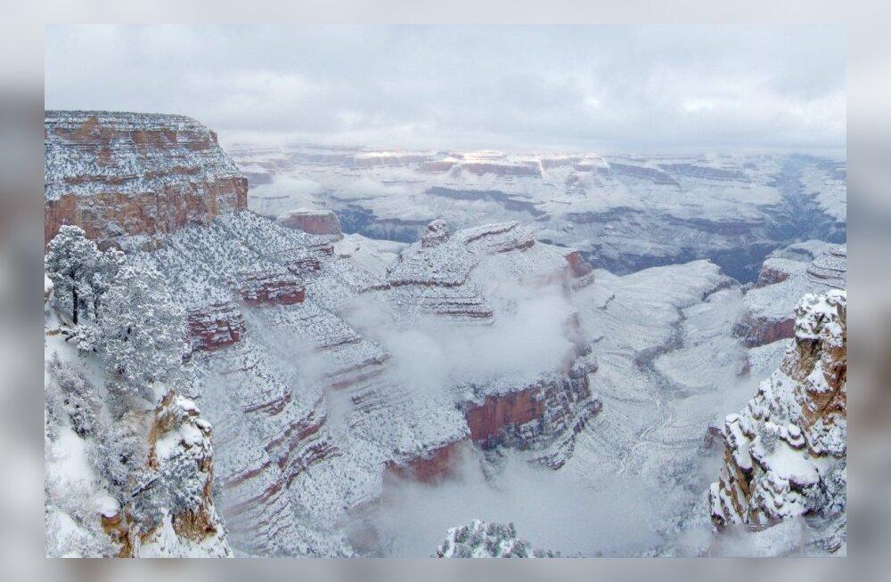 FOTOD: Suur Kanjon mattus aastavahetusel lumme