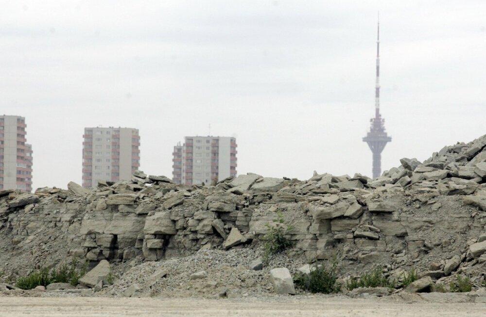 Взбешенные жители Ласнамяэ: асфальтобетонный завод в жилом районе — это геноцид и травля народа!