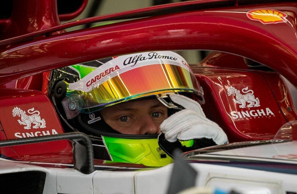 Mick Schumacheril pole lihtne, kõik ootavad, et ta astuks isa saabastesse.