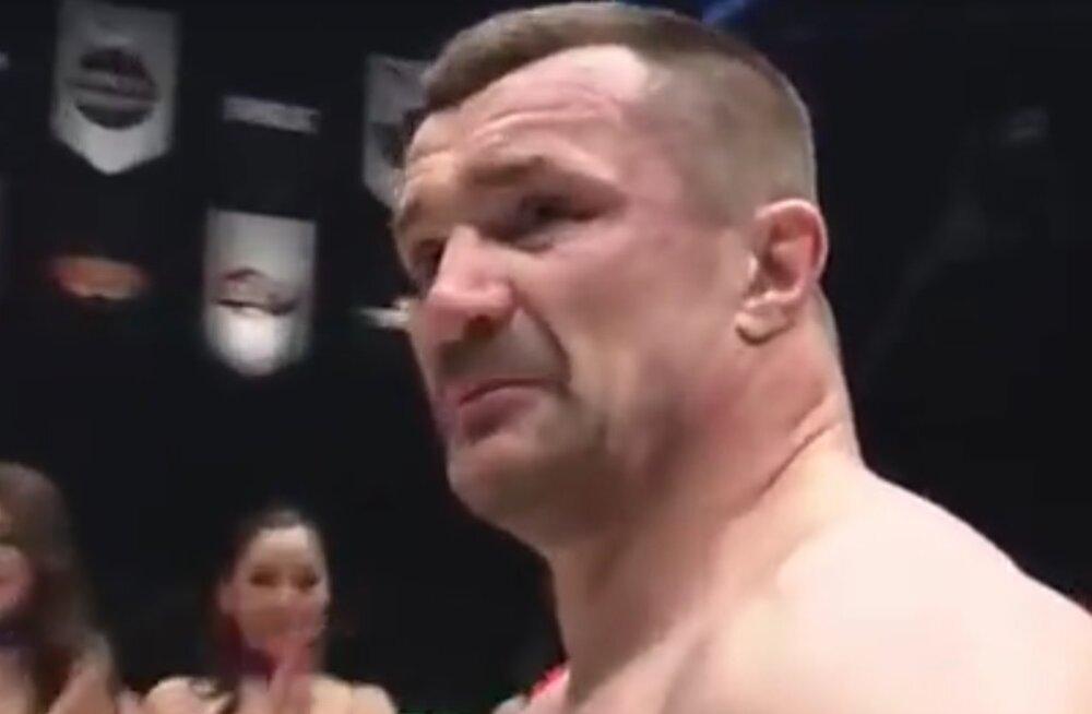 Barutole esimese kaotuse kinkinud Horvaatia MMA täht lõpetas karjääri