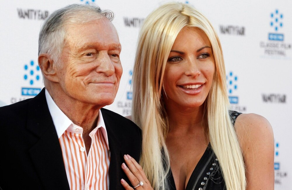 PEOPLE-HUGHHEFNER/MARRIAGE