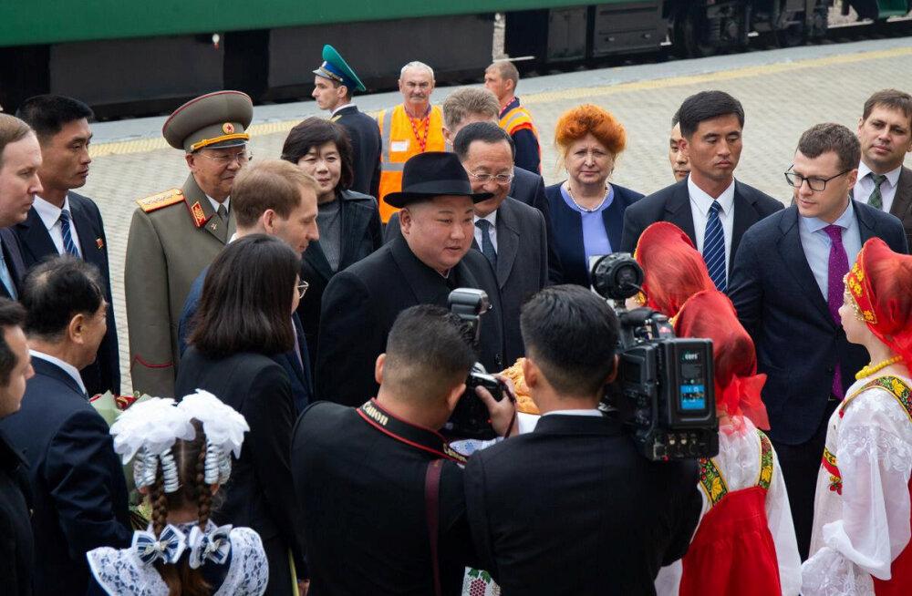 Rongiga Venemaale saabunud Kim Jong-un pakutud soola-leiba ei puutunud