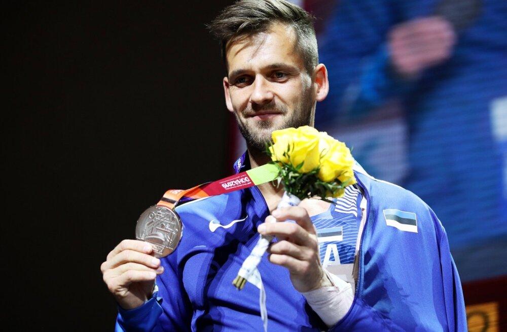 Magnus Kirt sai kaela MM-hõbeda.
