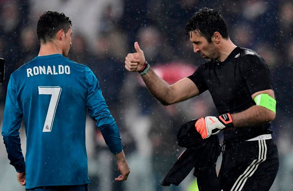 Cristiano Ronaldo ja Gianluigi Buffon.