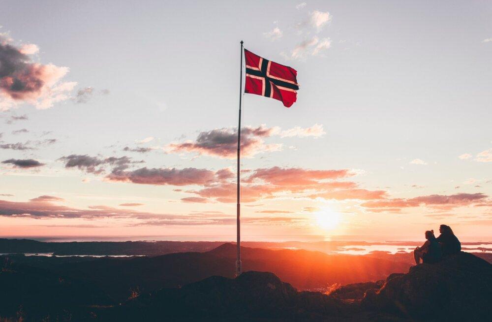 Коронавирус: в Норвегии запрещают алкоголь в ресторанах