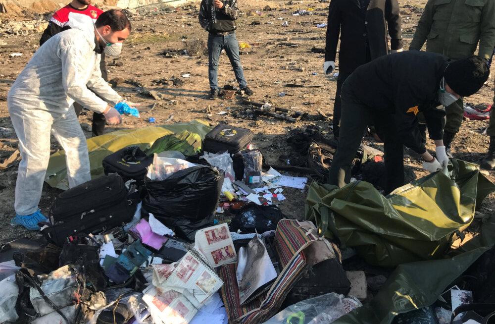 Zelenskõi: esialgsetel andmetel hukkusid kõik Iraanis alla kukkunud Ukraina lennukis olnud