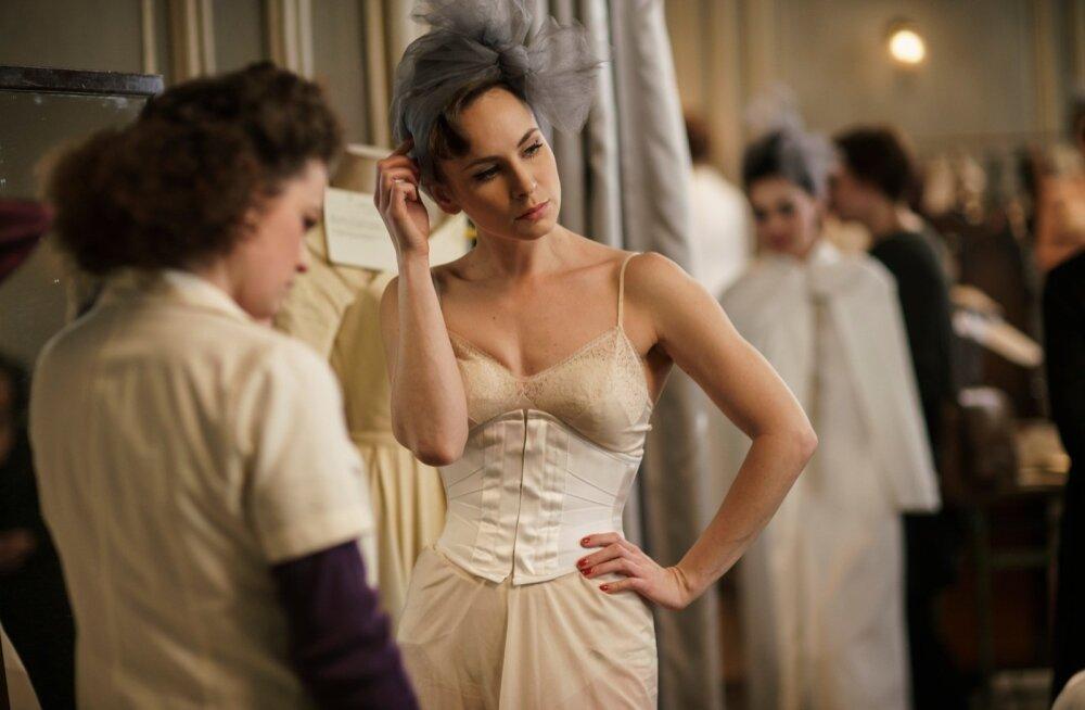 """Kaheksaosaline draamasari """"Moekollektsioon"""" pajatab loo edu hinnast Prantsusmaa ajaloo pöördelisel ajal."""