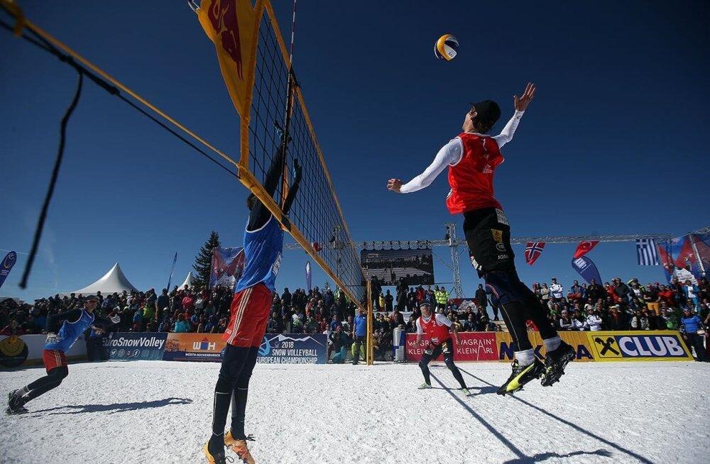 Meeste hulgas viidi esimese lumevõrkpalli EM-medalid Venemaale, Saksamaale ja Leetu.