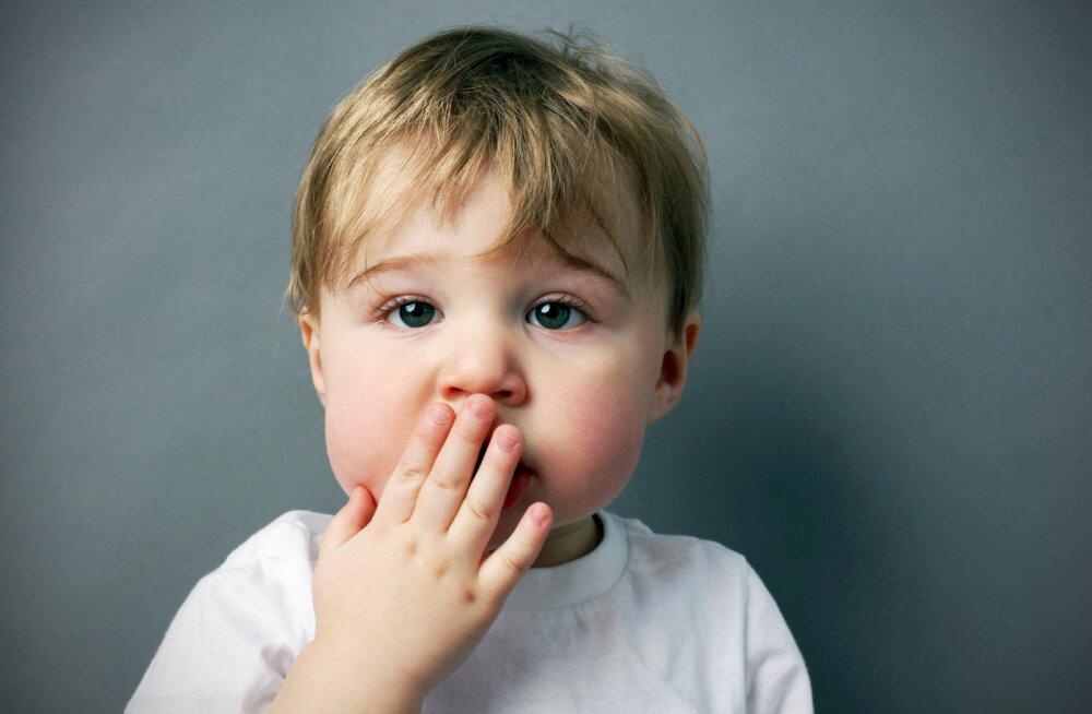 """Kõht kõveraks! Lapsevanemad jagavad oma halenaljakaid juhtumeid, kui nad oma lapsed """"ära unustasid"""""""