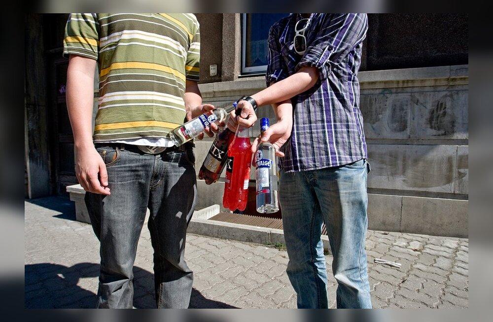 Iga kümnes 15-16aastane noor joob alkoholi vähemalt korra nädalas