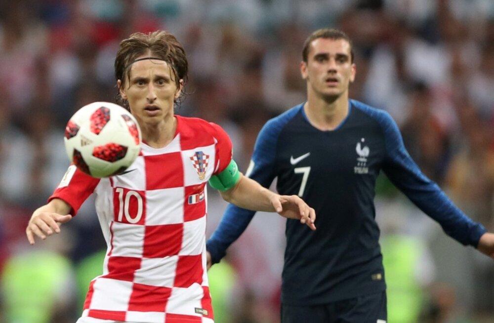 Luka Modric ja Antoine Griezmann suvisel MM-finaalturniiril.