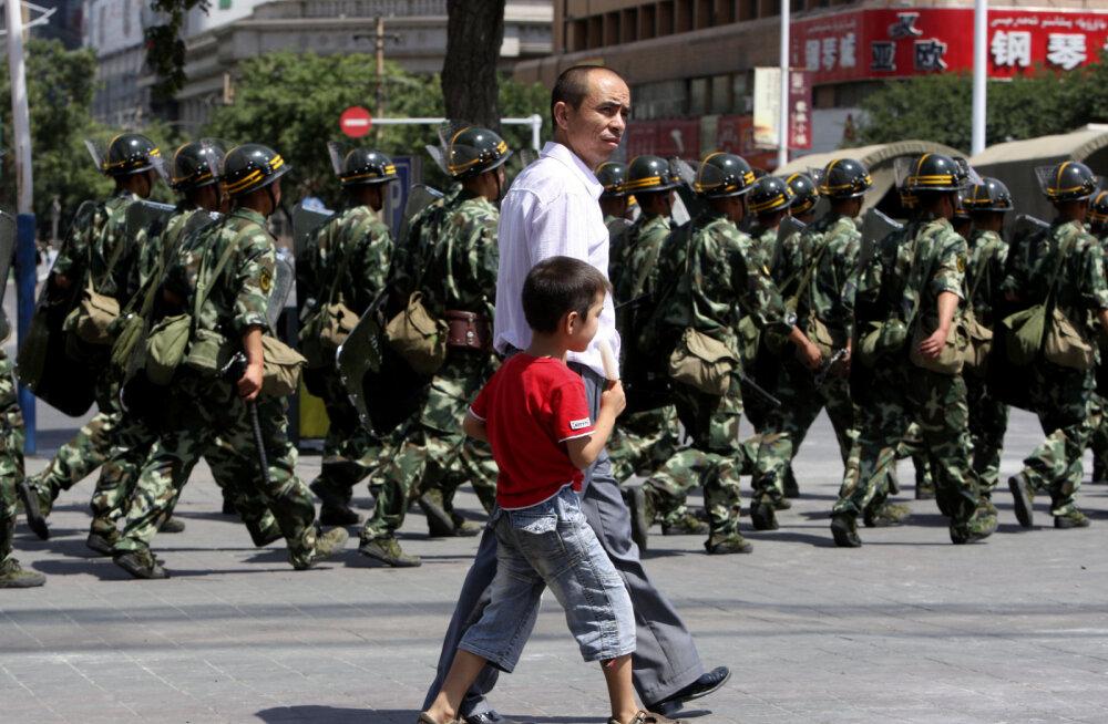 ÜRO: Hiina sunnib miljonit moslemit laagritesse poliitilist ümberõpet saama