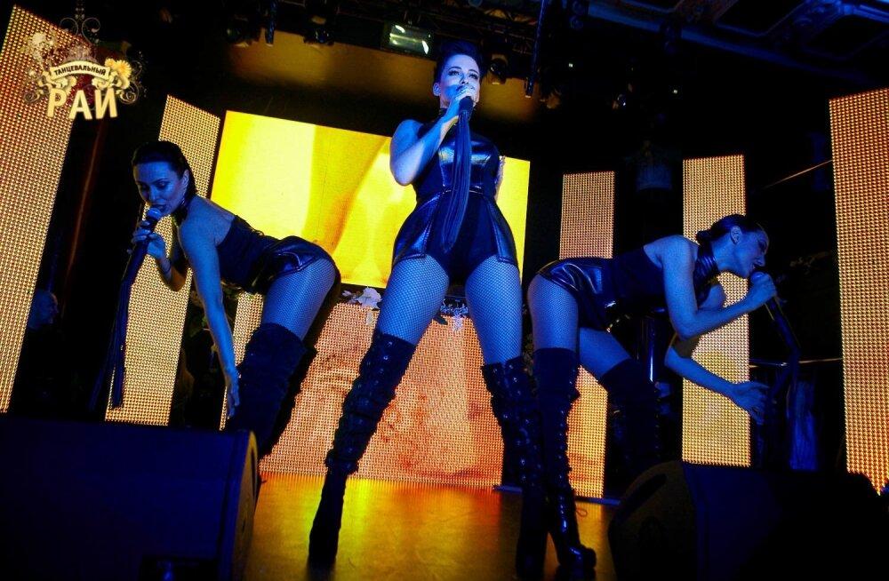 TANTSUPARADIIS-is esines Ukraina skandaalseim ja seksuaalseim naisansambel NIKITA väga pöörase kontserdiga!