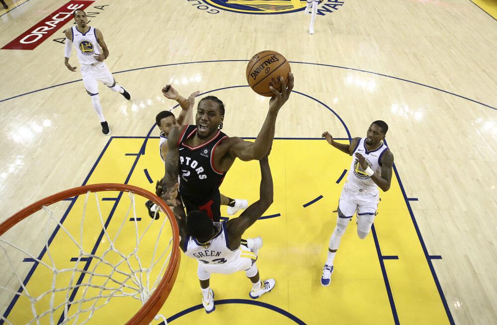 Curry superesitusest jäi väheks, Raptors võttis nõrgendatud koosseisuga Warriorsi vastu oma