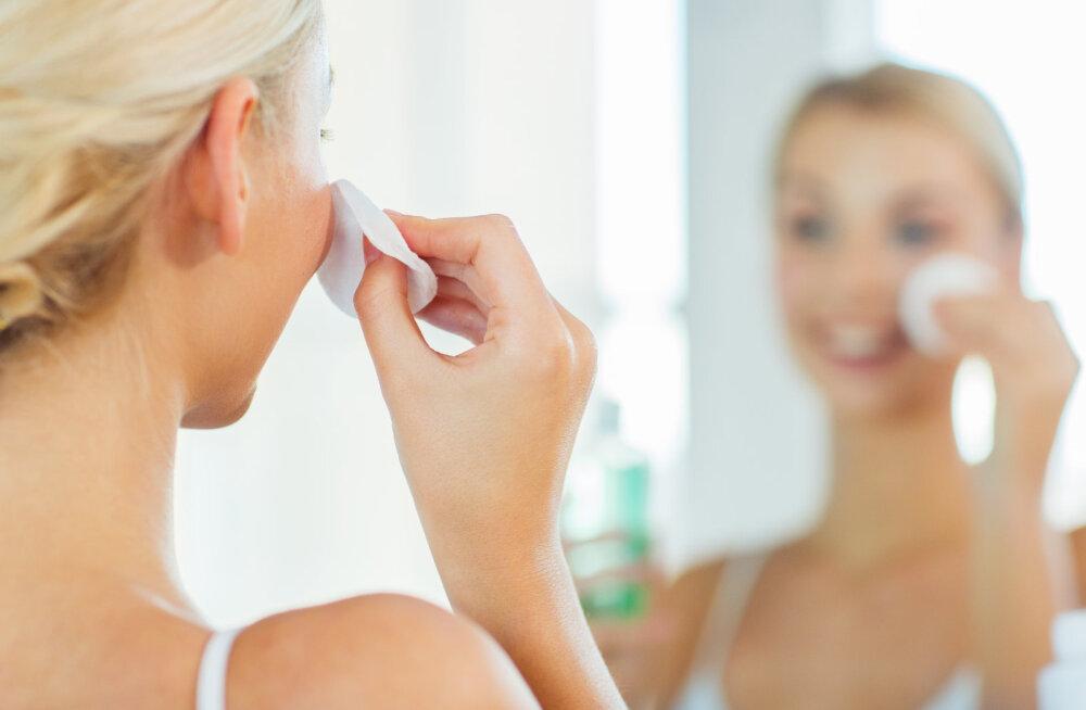 Looduskosmeetik avaldab lihtsa näopuhastusreegli ja selgitab, kuidas teha ise näopuhastusõli