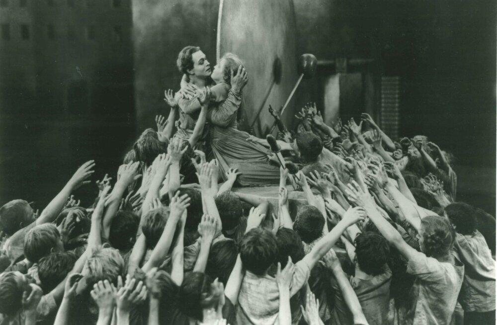 """Fritz Langi """"Metropolist"""" peetakse üheks kinokunsti tippteoseks, millest said inspiratsiooni paljud hinnatud ulmefilmid."""