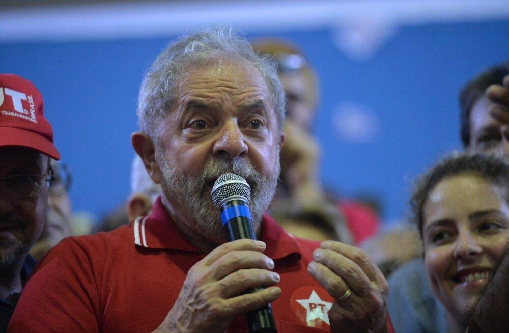 Brasiilia rahapesus süüdistatav ekspresident tehakse ilmselt puutumatuks valitsuse liikmeks