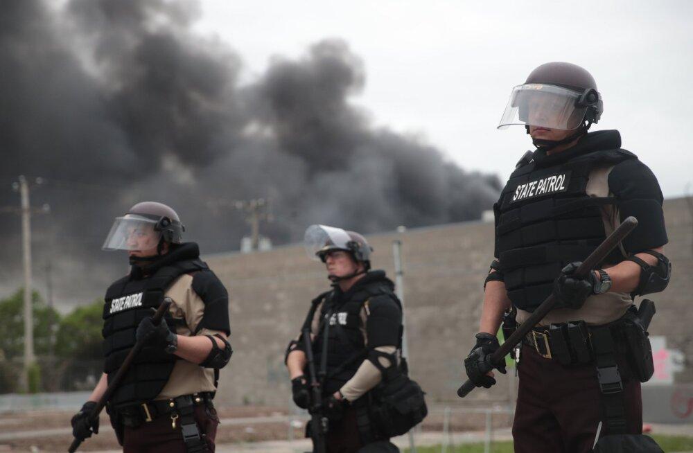 ÜLEVAADE ja VIDEOD | Minnesotas ja veel mitmes USA osariigis käivad vägivaldsed rahutused