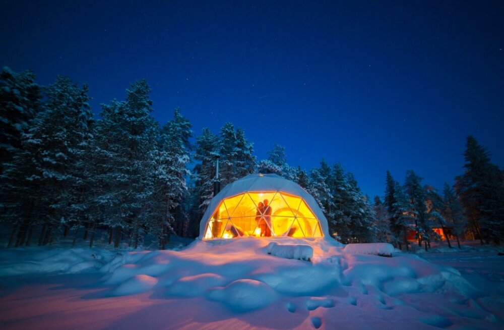 """Glamping ehk glamuurne telkimine on seni populaarsust kogunud soojemates kohtades ja safaritel. Ent esimene Euroopa """"glamping-plats"""" põhjapoolses maailmas avati sel aastal Soomes. Harriniva Hotels & Safaris on korraldanud talveseiklusi ja pakkunud maj"""