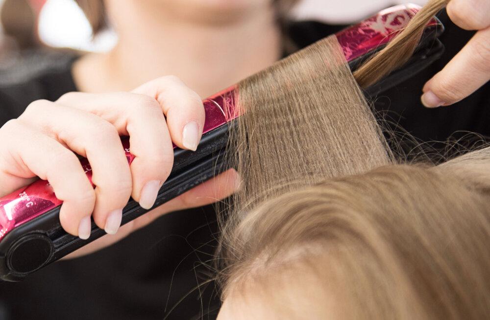 Naiste komme juukseid krepitada ei pruugi alati olla hea idee! Õpetame, kuidas seda juukseid kahjustamata teha