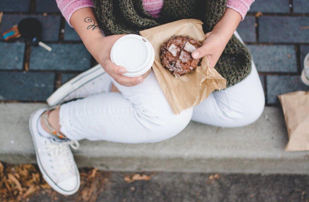 Võitlus söömisahvatlusega: kas tegu on tõesti vaid vale toitumisega või on põhjus lihtsam?
