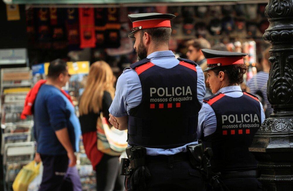 Kataloonia politseijõud Mossos d'Esquadra andis korravalvuritele korralduse neutraalseks jääda