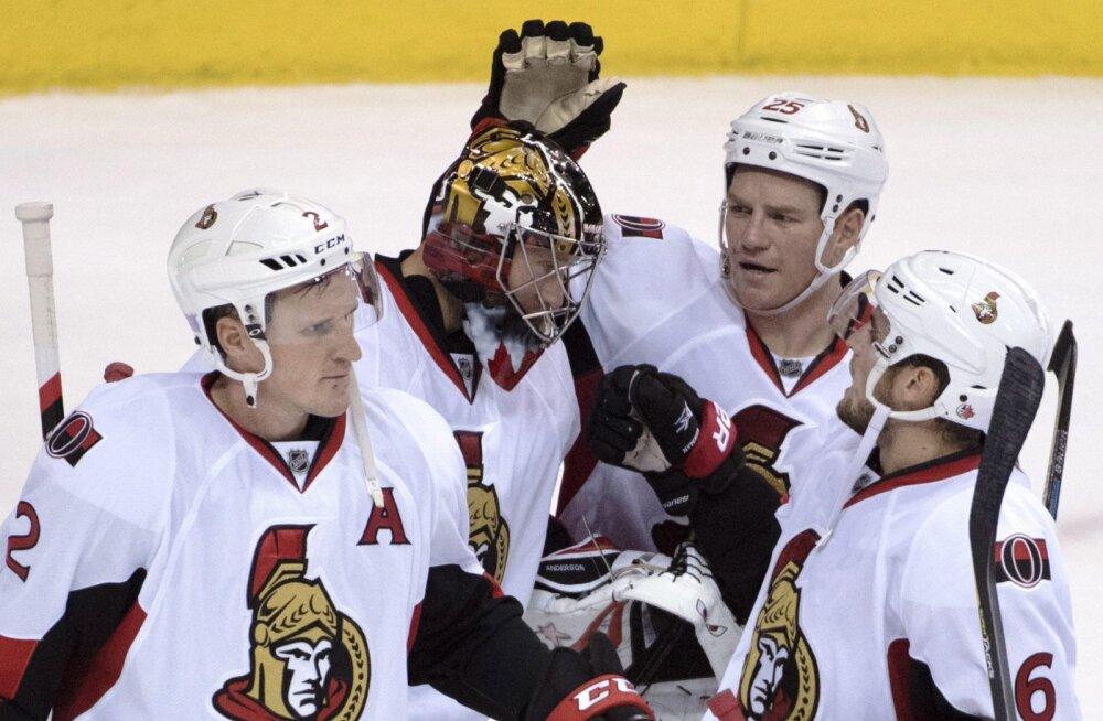 VIDEO: Emotsionaalne mäng NHL-is: Ottawa väravavaht tegi vähiga võitleva abikaasa õhutusel nullimängu