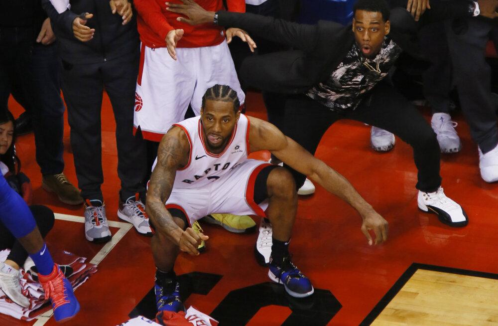 VIDEO | Täpselt aasta aega tagasi sündis NBA ajaloo üks õnnelikumaid võiduviskeid