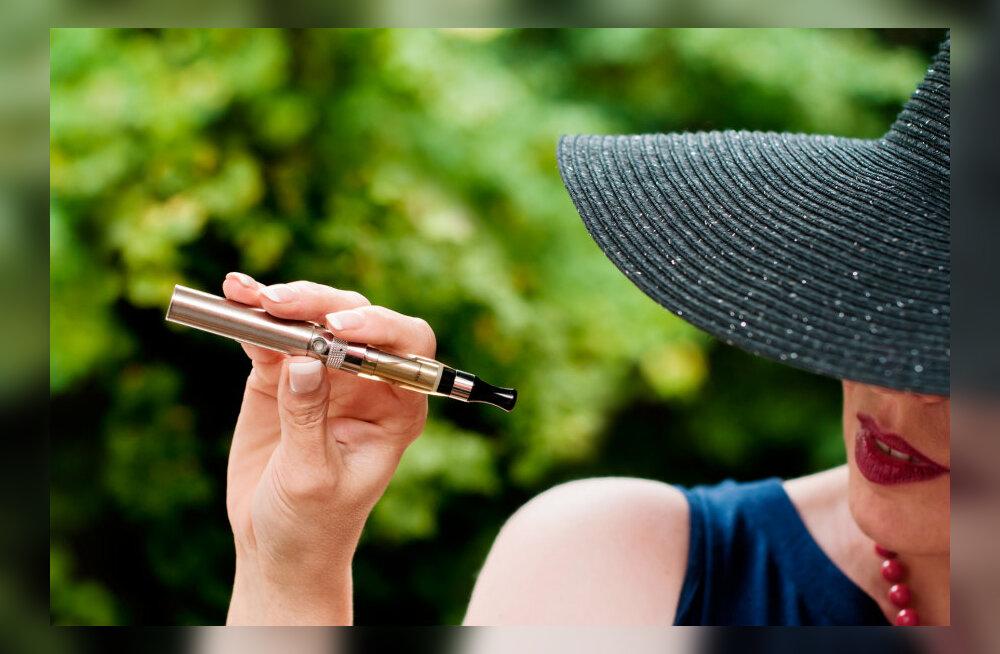 E-sigaretid võivad sisaldada kümme korda rohkem kantserogeene kui päris sigaretid