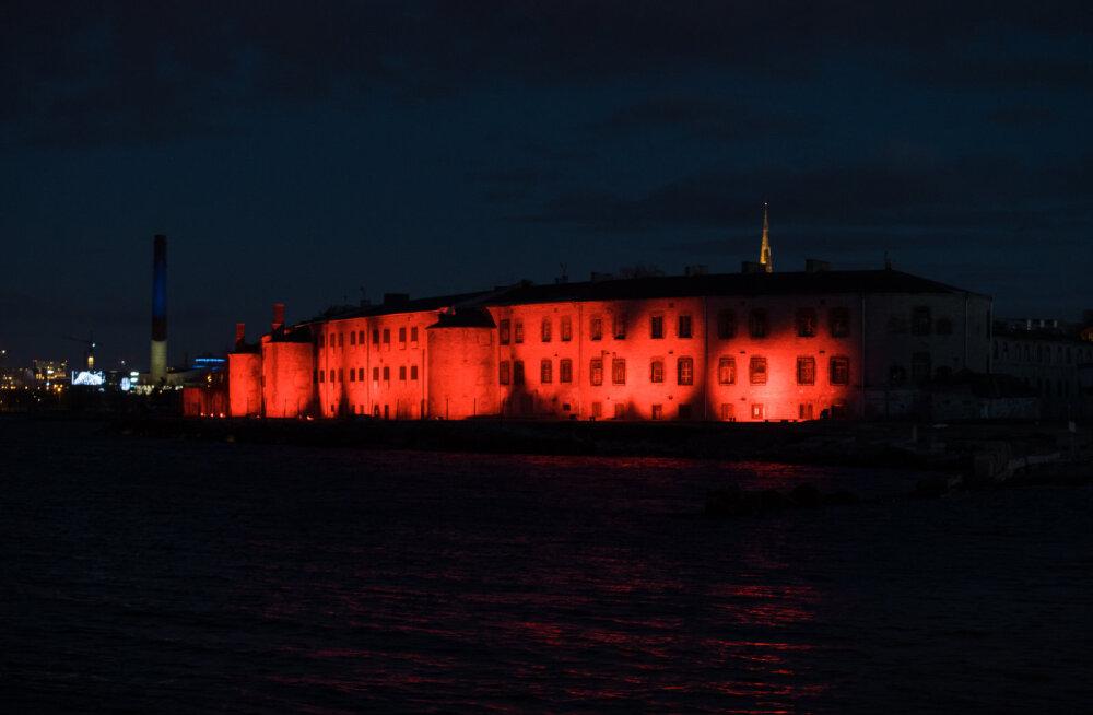 """14 мая в Батарейной тюрьме будет открыта выставка """"Коммунизм — это тюрьма"""""""