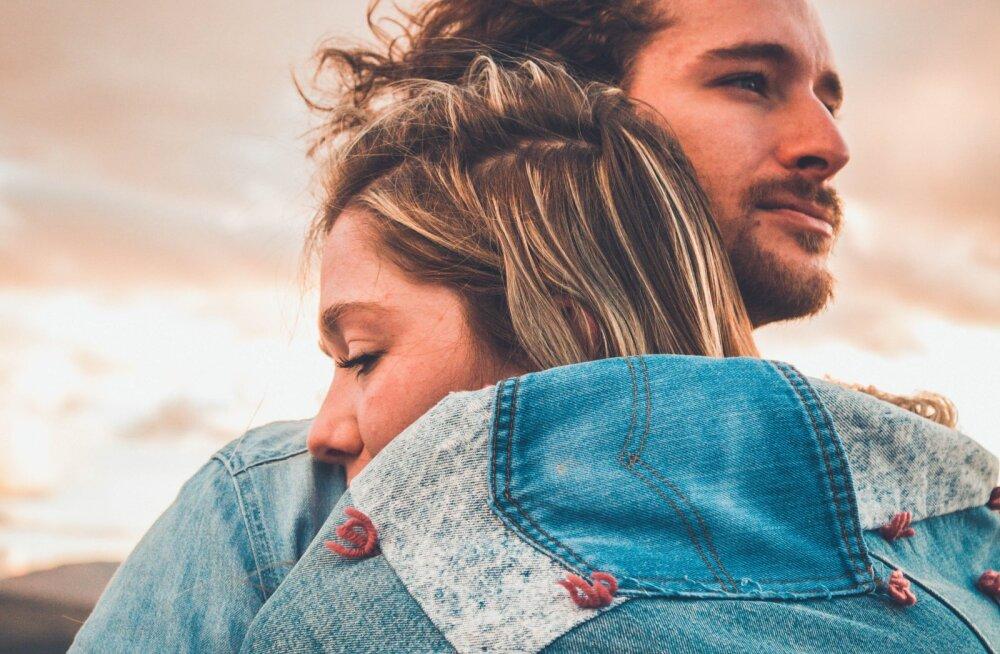 6 põhjust, miks oma partneri emotsioonide peegeldamine on kõige olulisem asi teie suhtes