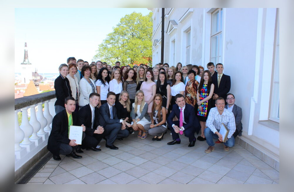 Taavi Rõivas andis üle Aasta Ettevõtlusõpetaja tiitli ja tunnustas parimaid õpilasfirmasid